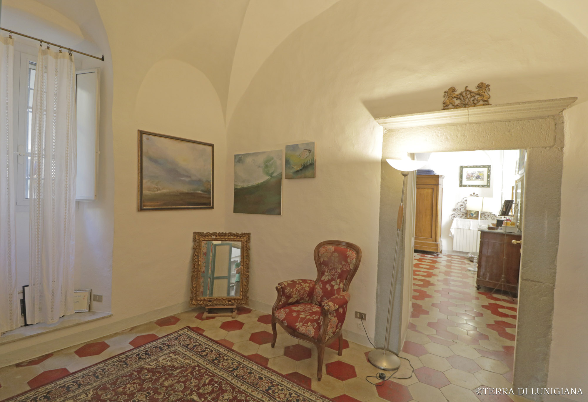 CASA DELL'ARTISTA – Charming Apartment with Fire-place
