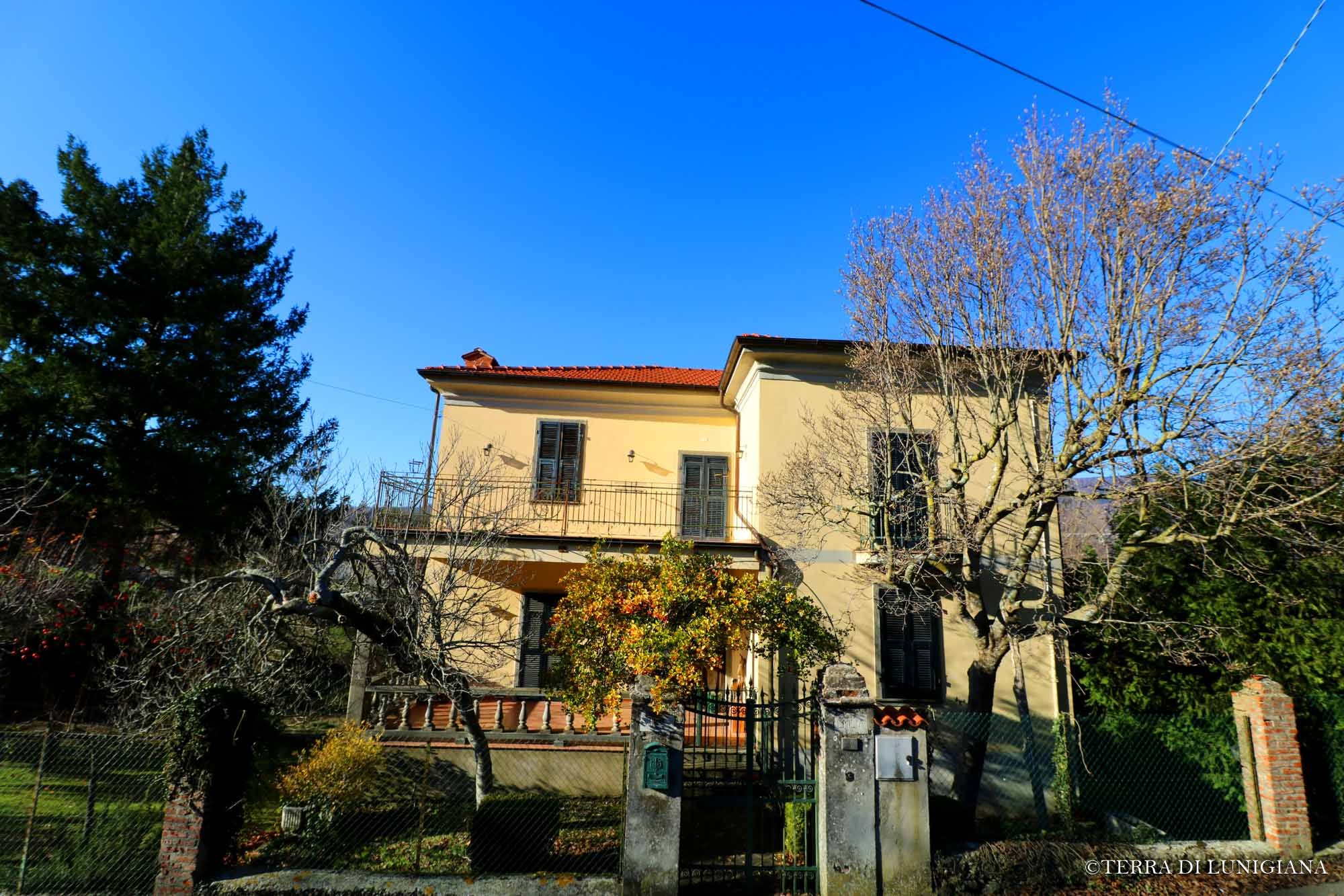 VILLA EMILIA – Liberty Villa With Garden
