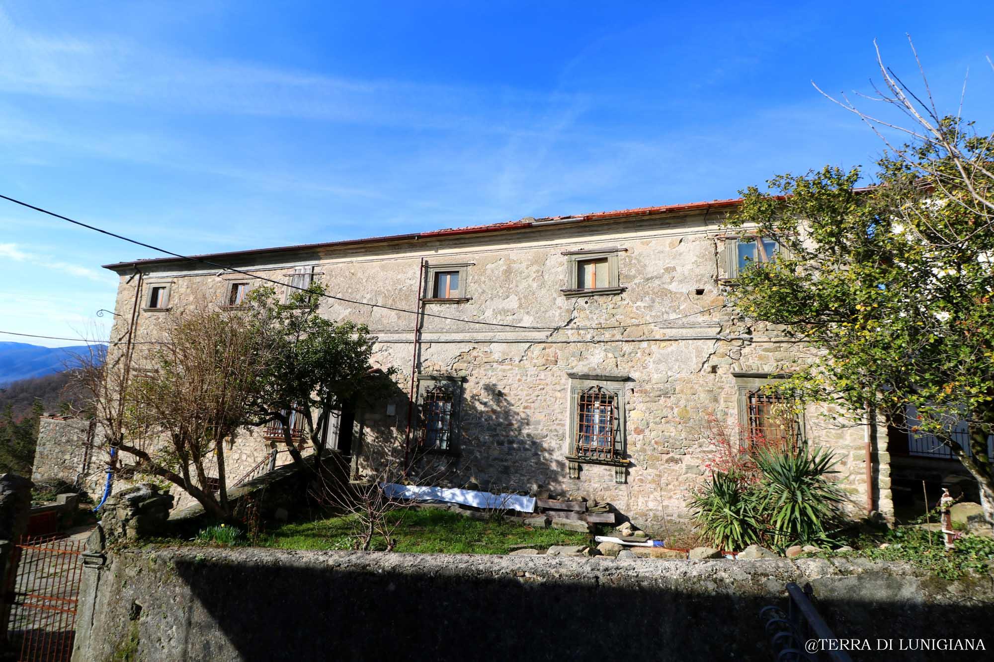 IL PADRONE – Antico Casale In Pietra