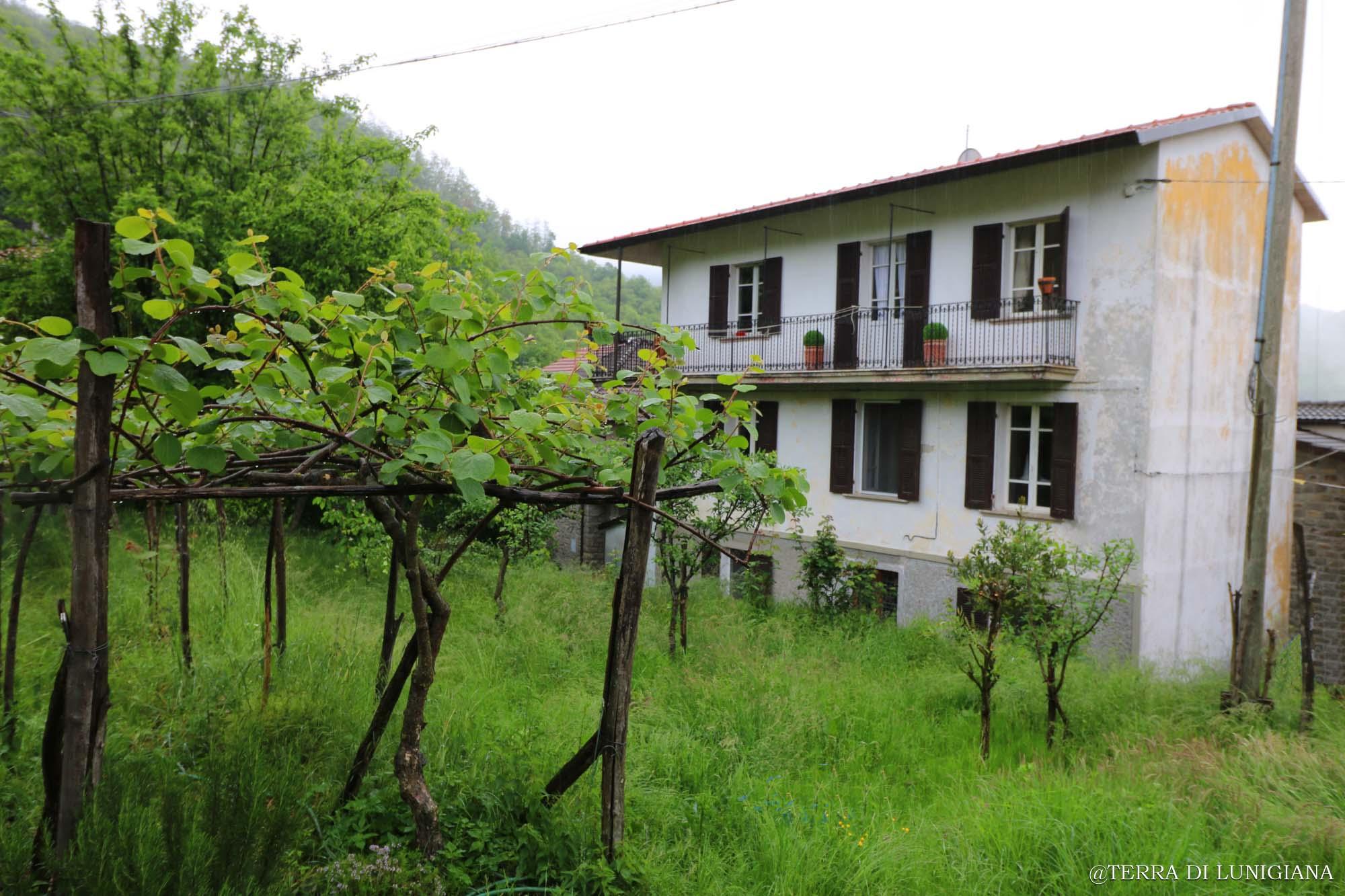 LA SOLITARIA – Large Detached House