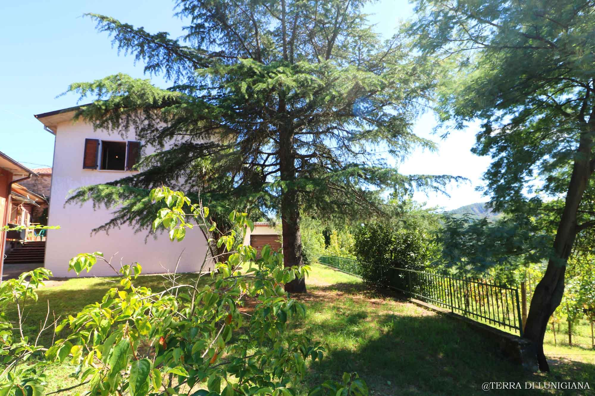 IL CASTELLANO – Detached Stone House with Garden