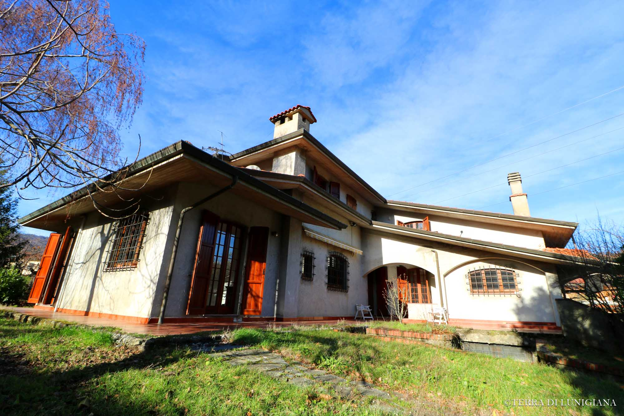 VILLA FEDELE – Large Family Villa With Park