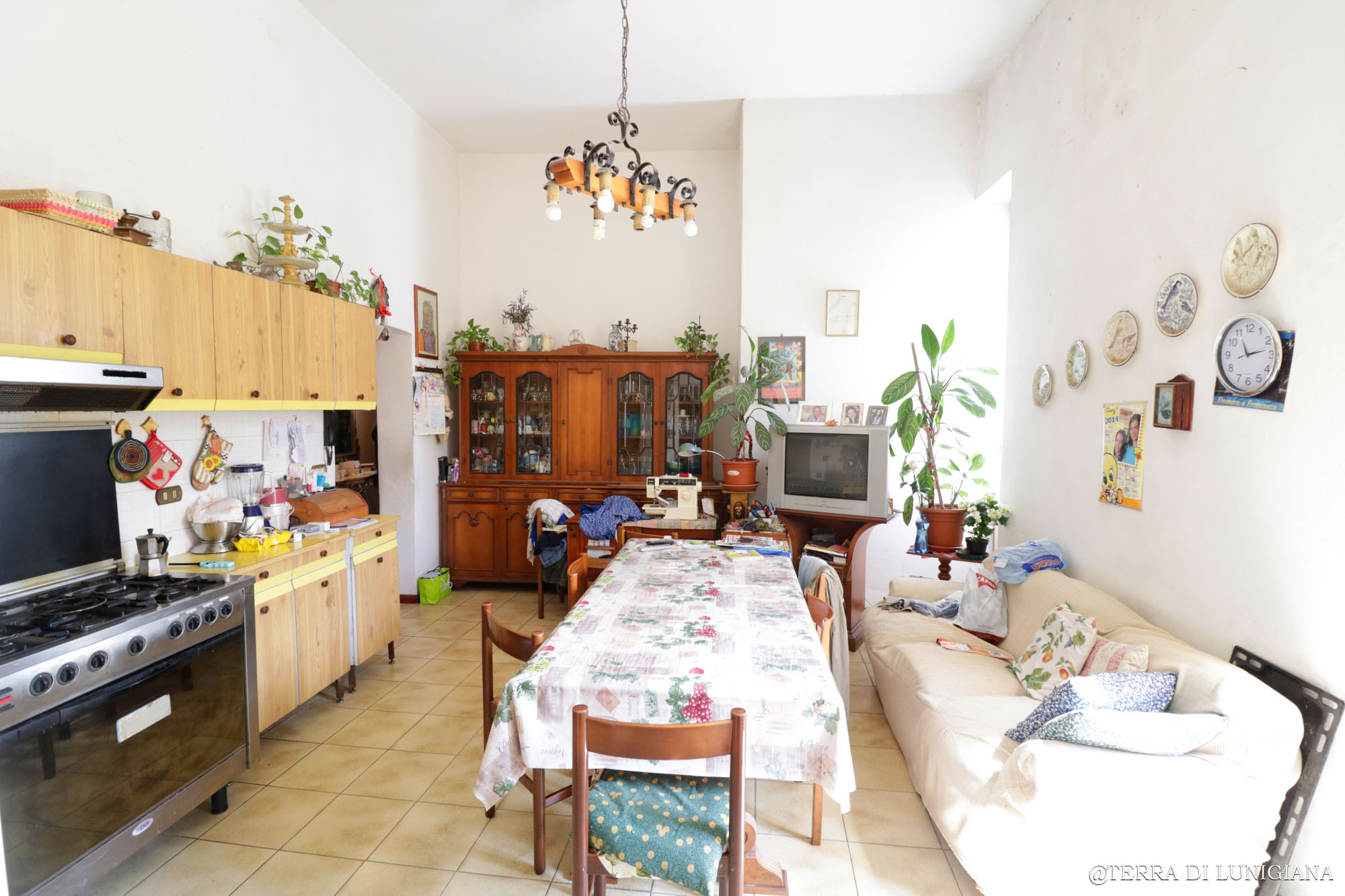 LA LOLA: Apartment near the Train Station