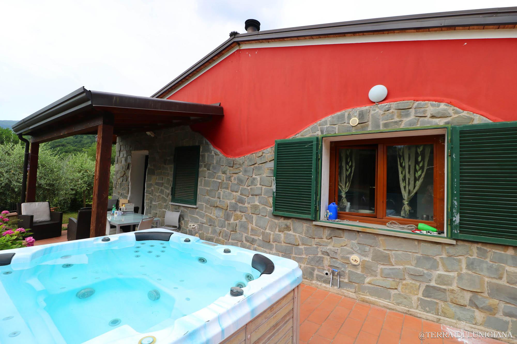L'ONDA – Villa with Garden