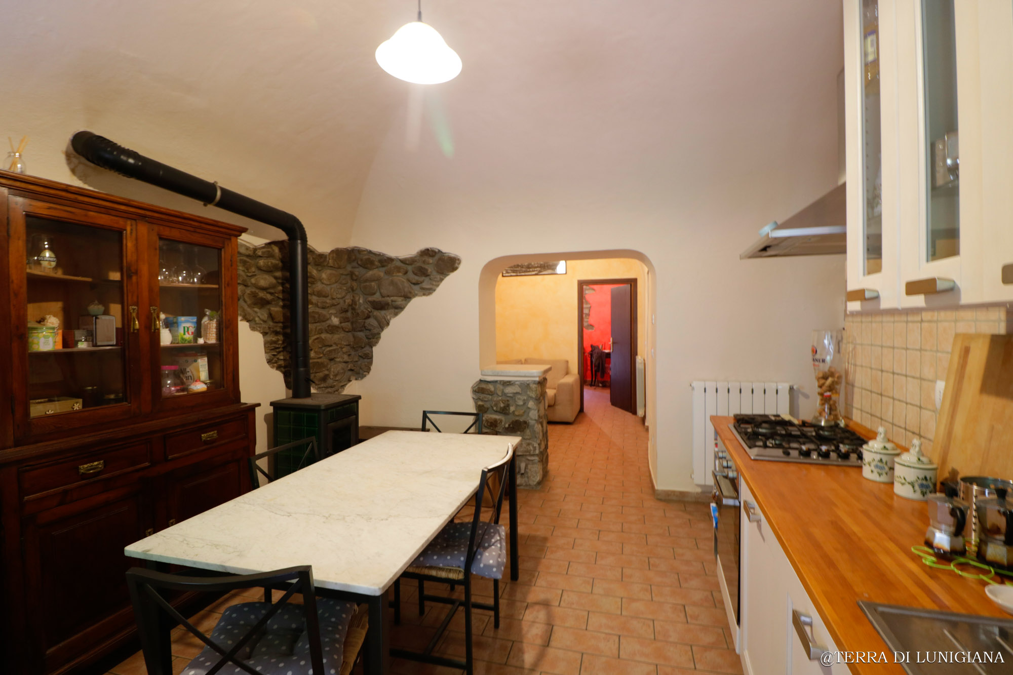 IL LUETO – Historic Apartment with Terrace and Cellars