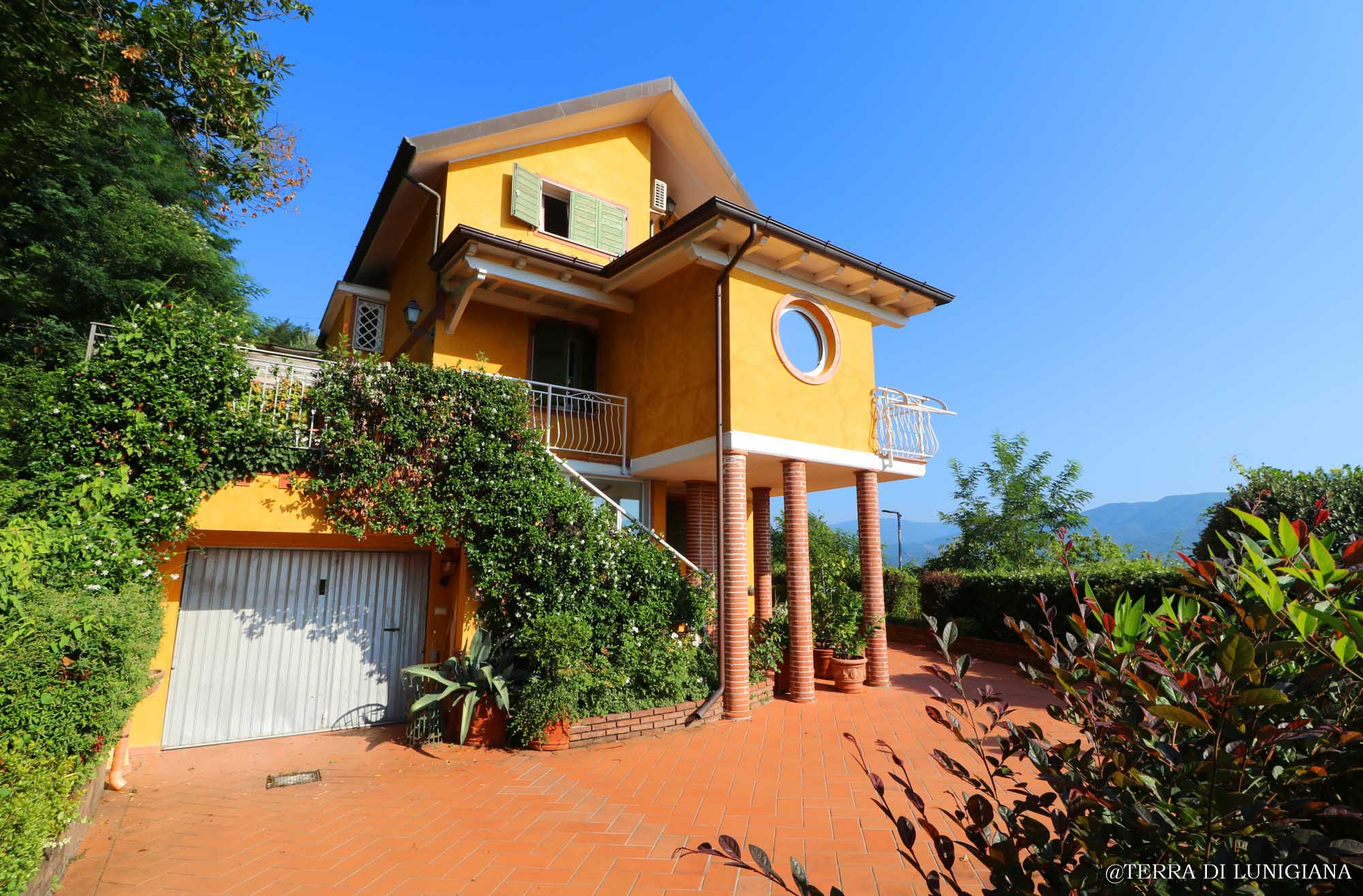 IL GALEONE – Detached House with Garden and Terracce