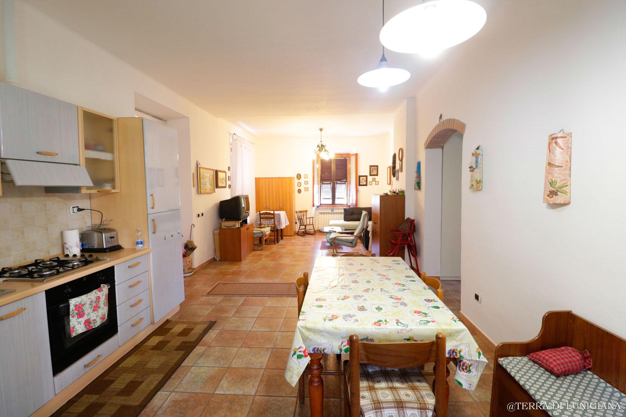 IL CARDO – Appartamento in Pietra restaurato con Terrazza