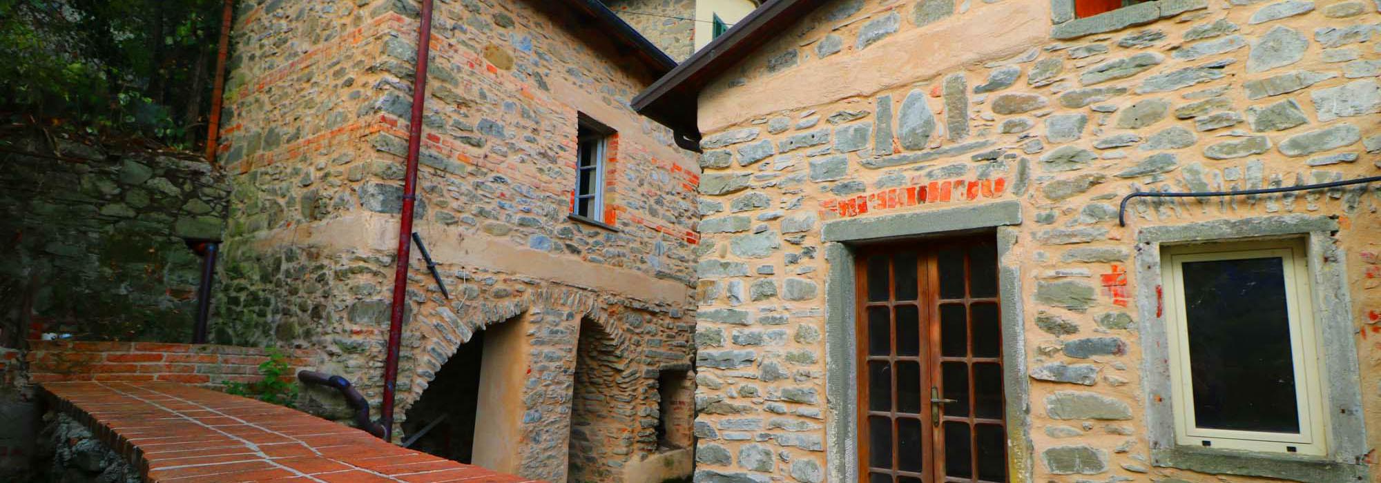 LA MELA – Rustico In Pietra Restaurato con Terrazza e Giardino