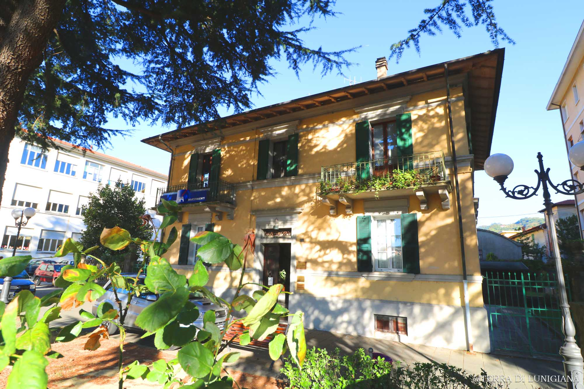 LA PIAZZA – Liberty with Taverna and Garden
