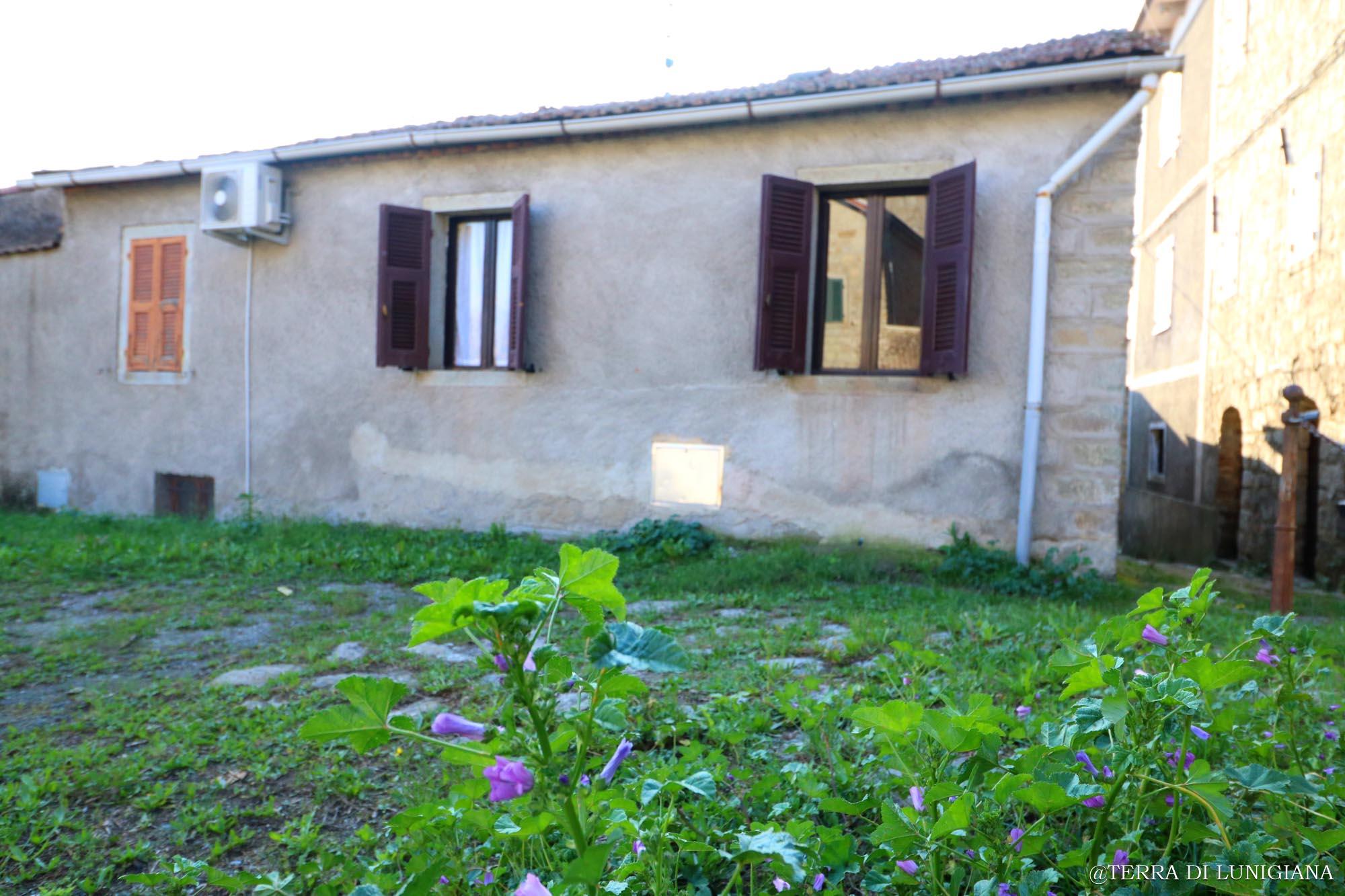 LA PRIMULA – Country Stone House with Garden