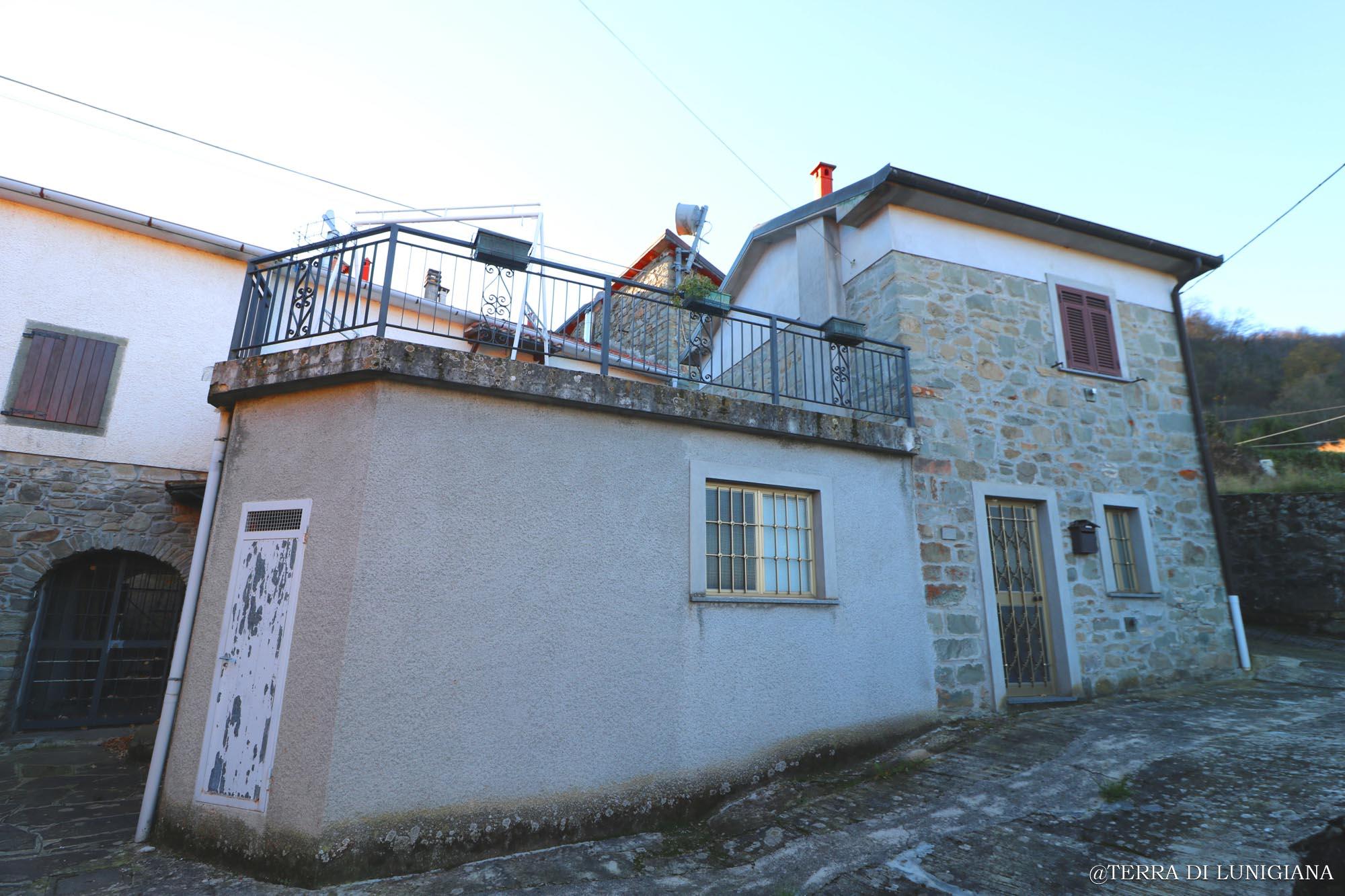 LA CESA – Renovated Stone House