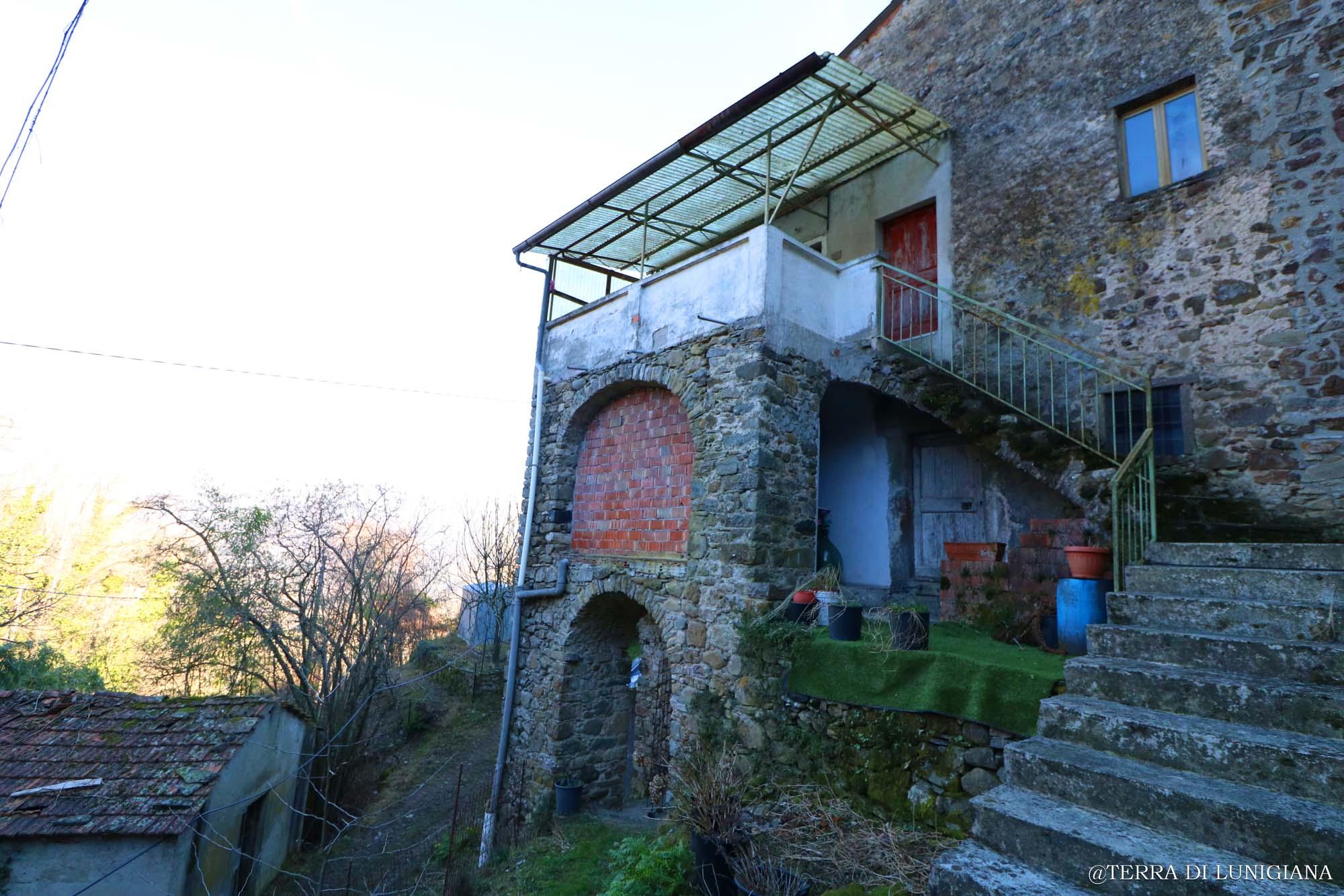 LA VOLTA – Panoramic Stone House