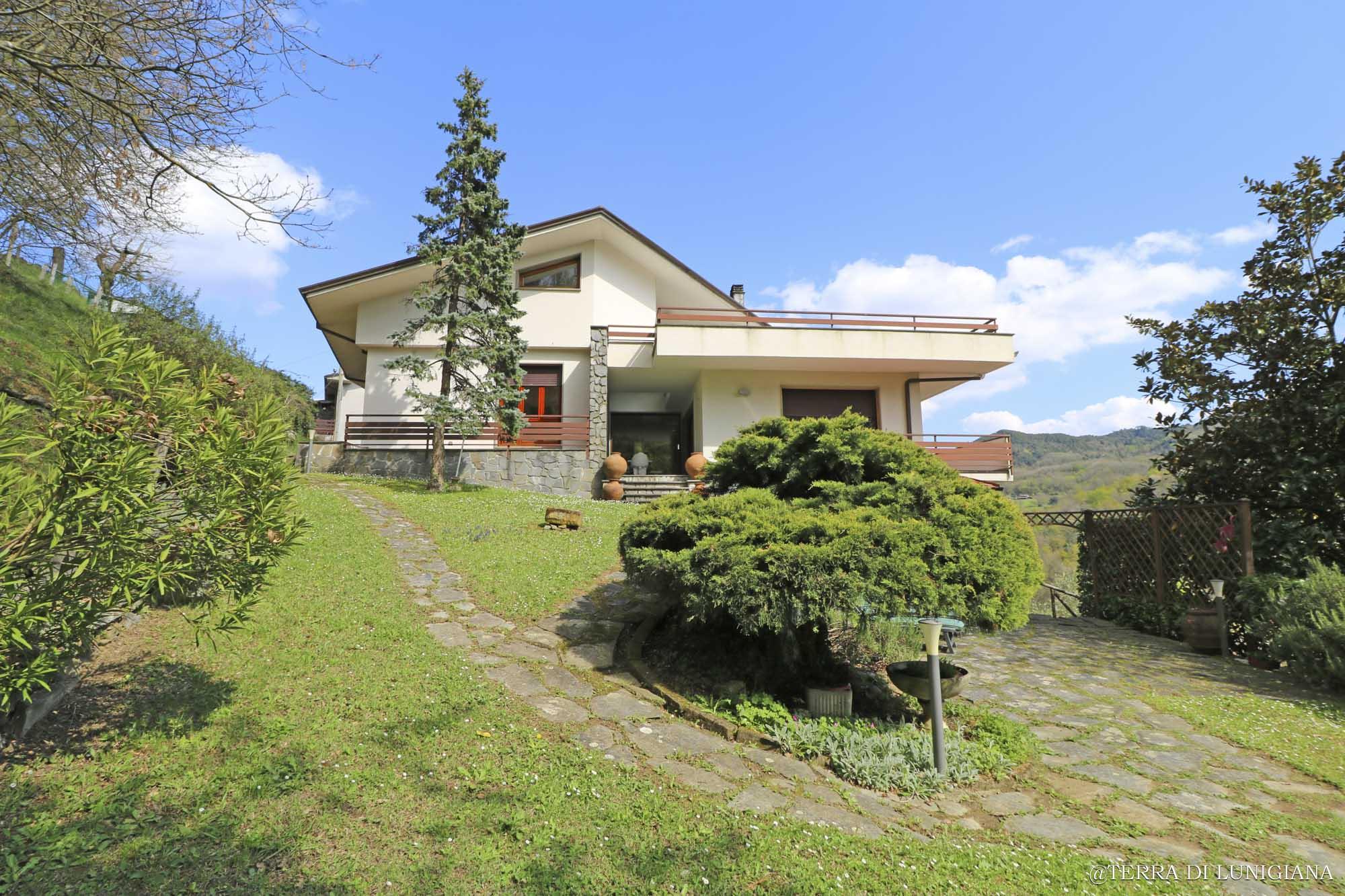 LE ANFORE – Prestigiosa Villa con Giardino