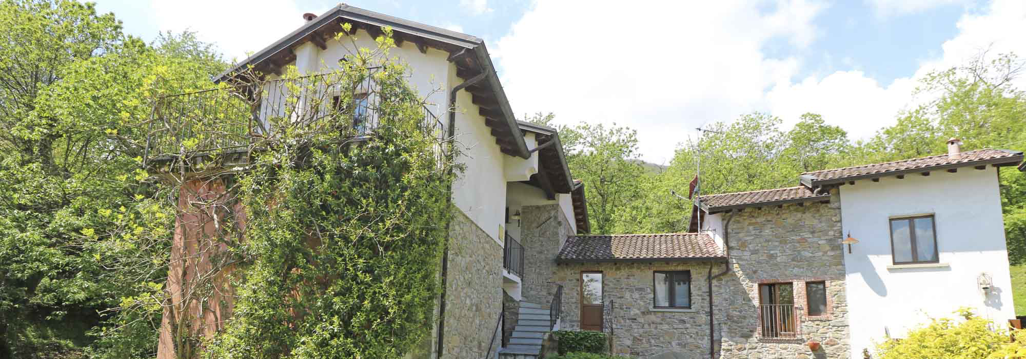 LA GORA – Splendido Casale Restaurato B&B con Terreno