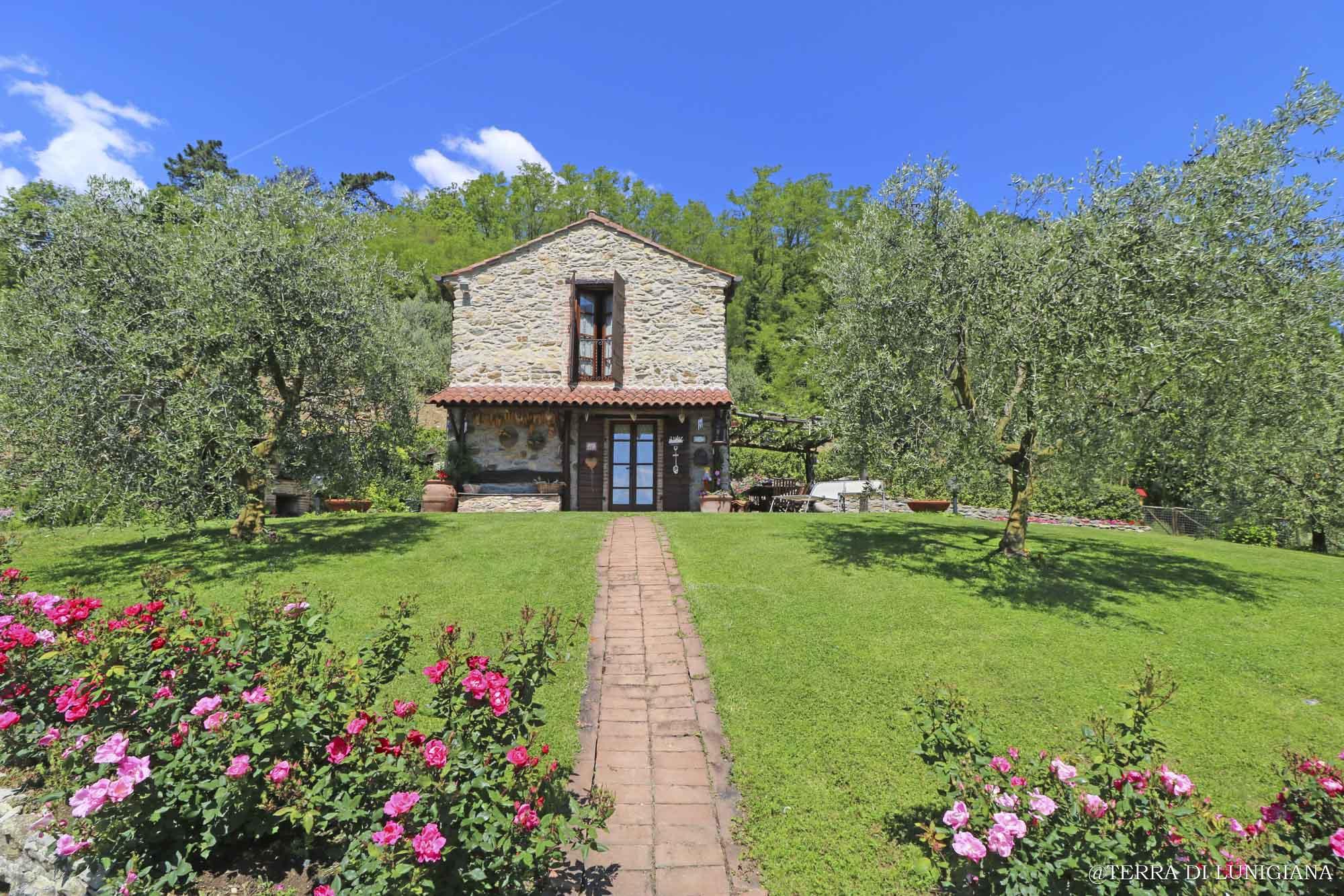 PROFUMO DI LAVANDA – Amazing Restored Stone House