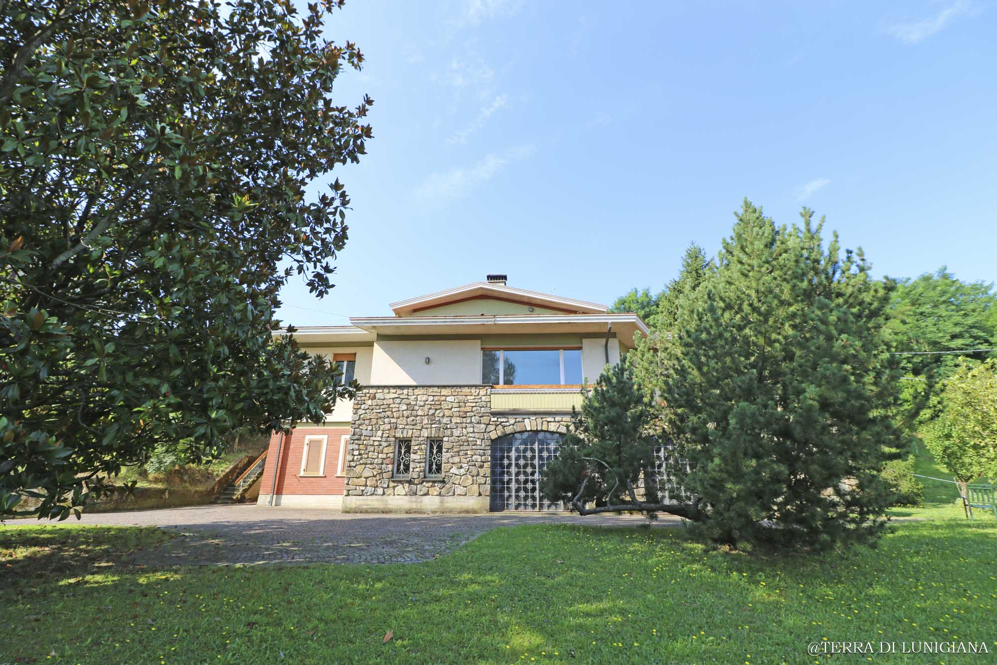 IL CAVALIERE – Independent Villa with Garden and Terrace