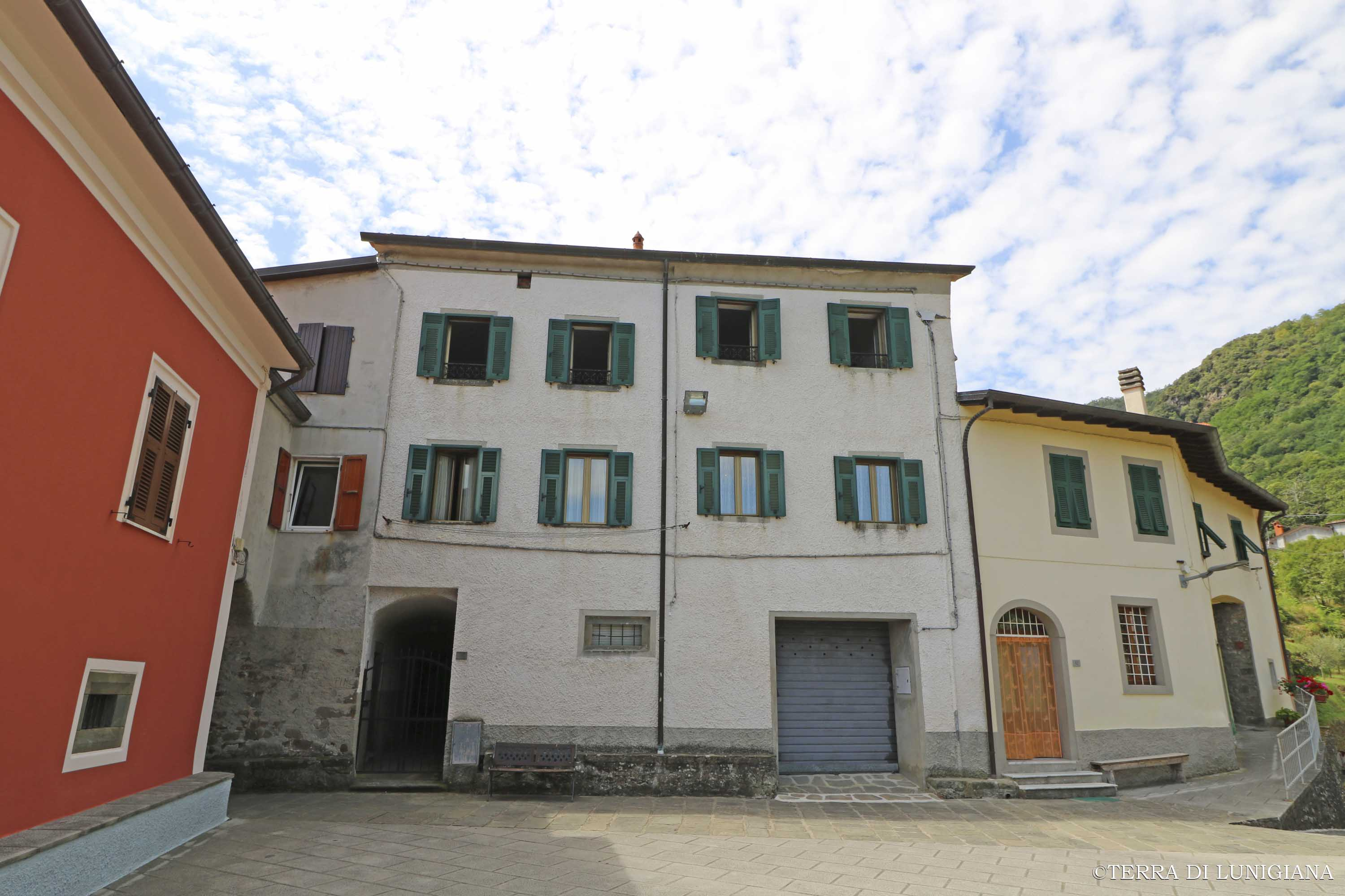 LA NUVOLA – House with Cellars and Panoramic View