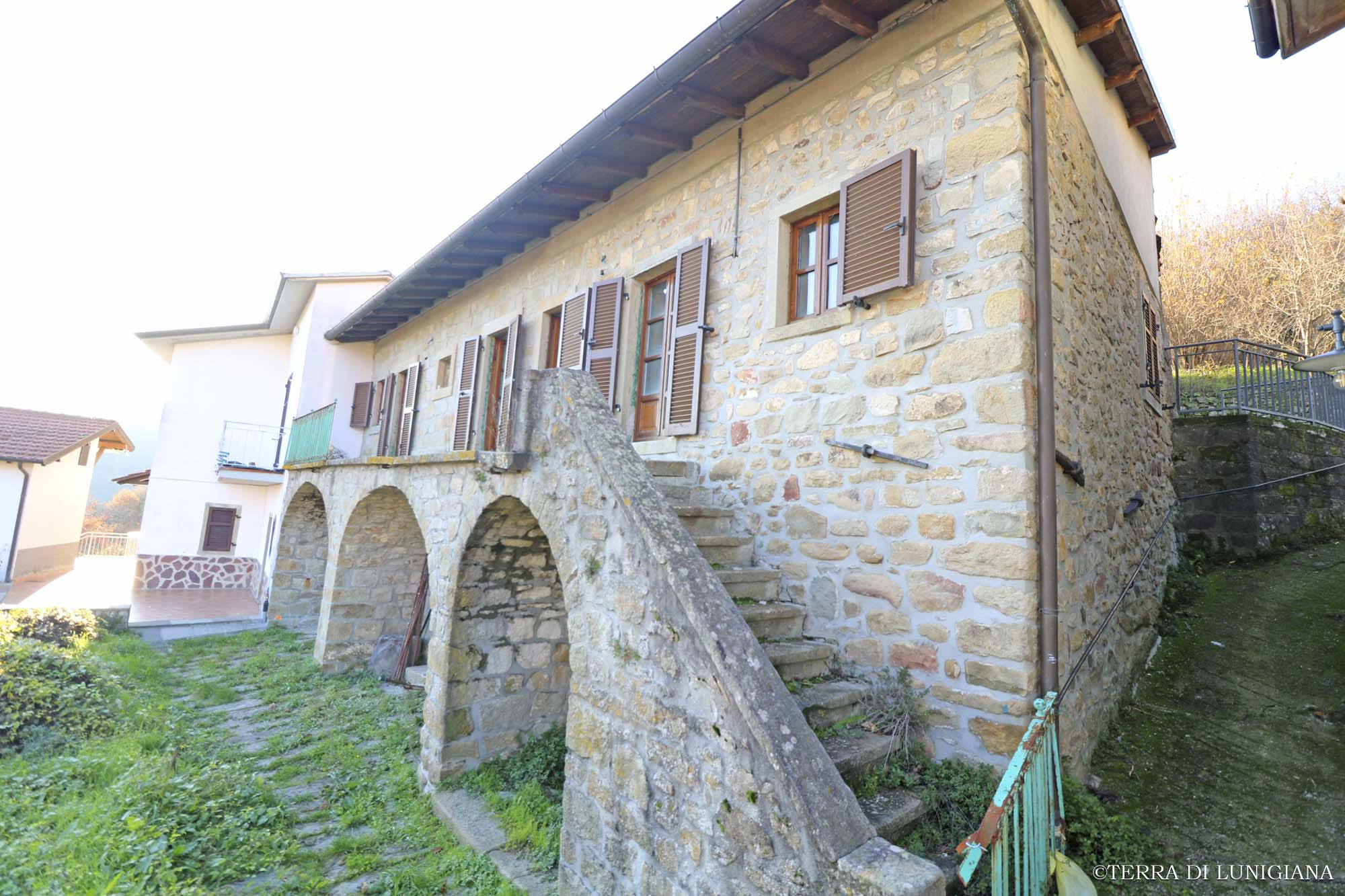 LA FATICA – Country Stone House with Terrace and Garden