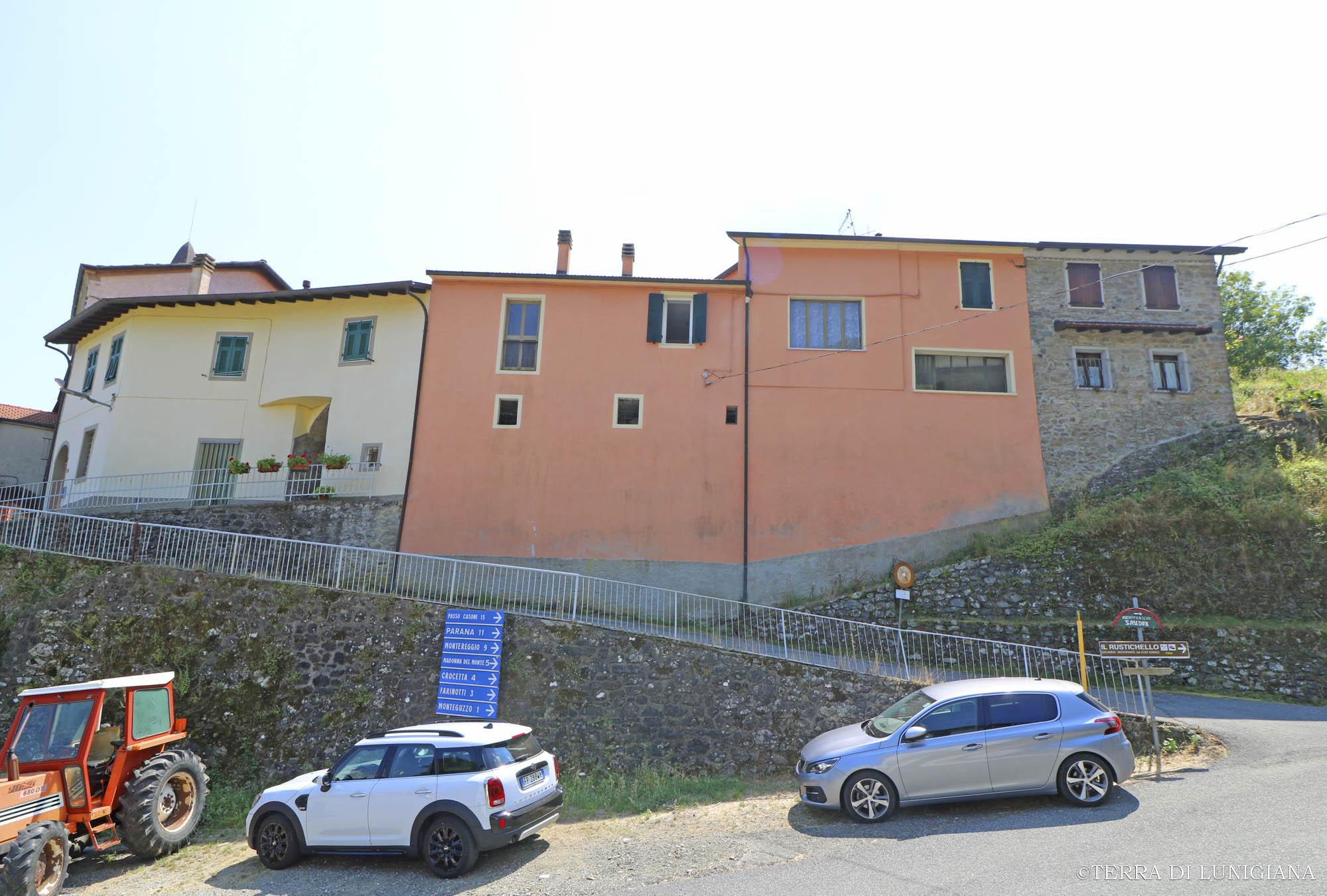 IL VALORE – Casa in Antico Borgo con Cantine