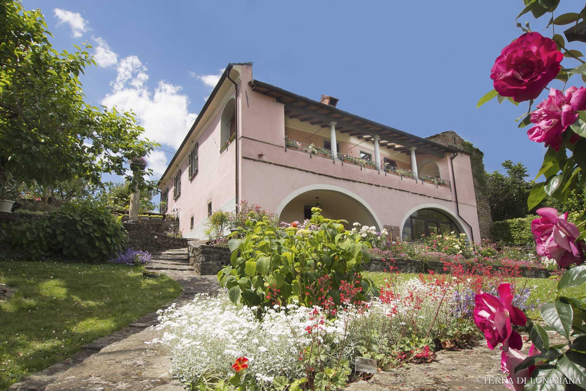VILLA DEI ROSETI – Splendida Villa Storica con Parco