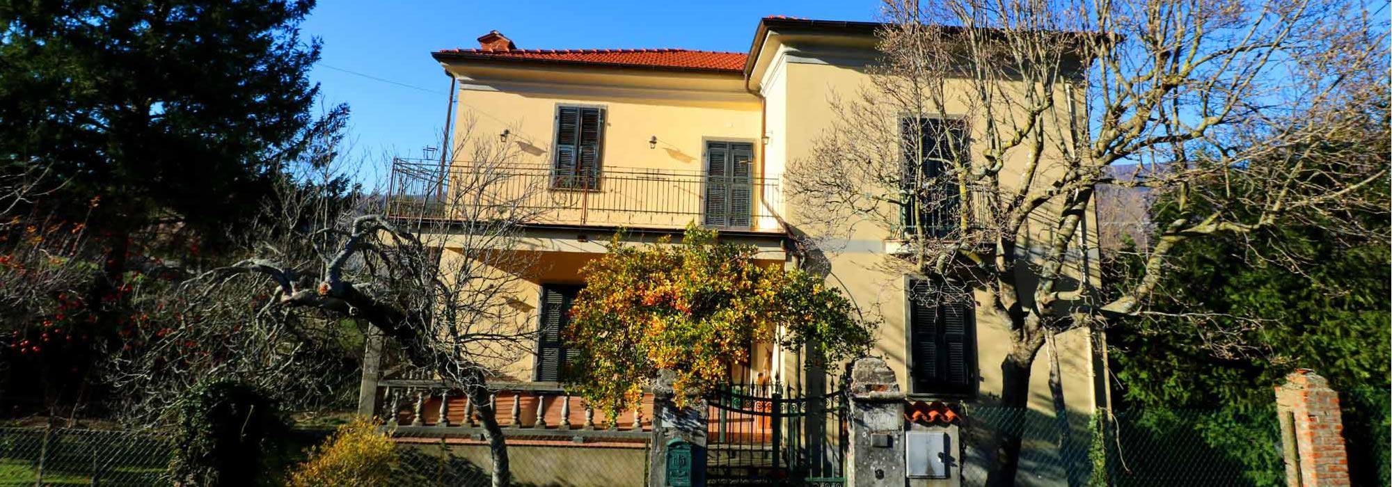VILLA EMILIA – Villa Liberty Con Giardino
